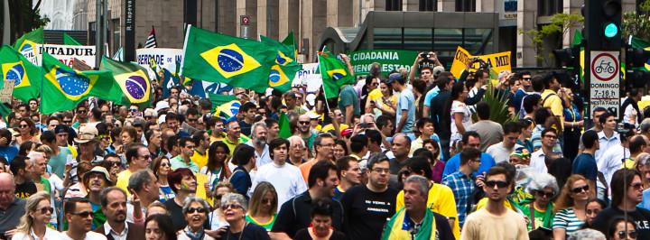 MANIFESTAÇÕES: A POPULAÇÃO NÃO SERÁ MASSA DE MANOBRA