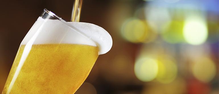 Resultado de imagem para consumo de cerveja no brasil